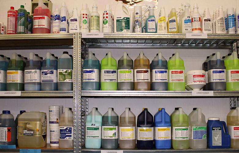 prodotti pulizia detersivi